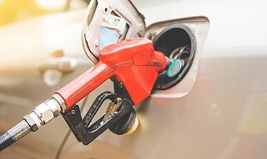 Problemu z paliwem (brak paliwa, paliwo zanieczyszczone lub niewłaściwe).